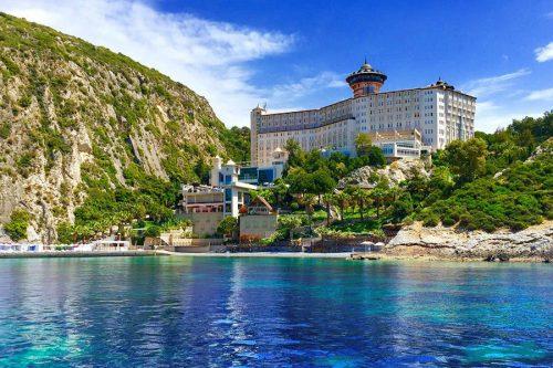 هتل لادونیا آداکوله